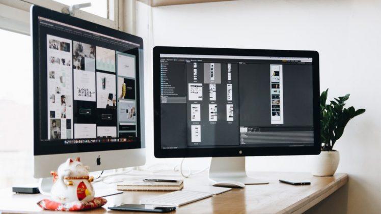 apple-computer-desk-devices